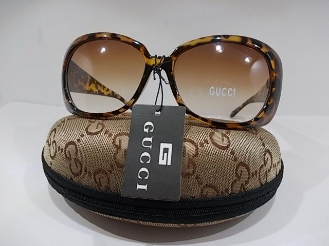 gucci lunettes de soleil pour femmes catawiki. Black Bedroom Furniture Sets. Home Design Ideas