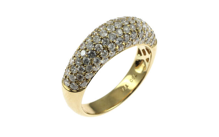 Ring in 18K yellow gold set with white diamonds