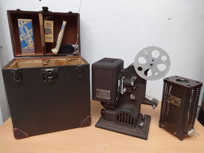 Kodascope model 80 filmprojector + Cine Kodak Eight model 60 camera,  Ca.1925
