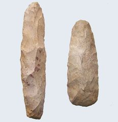 Paleolithic Quartzite dagger and axe - 19.5 / 14.3 cm (2)