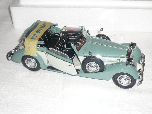 CMC - 1/24 scale - Horch 853, 1937, with book 100 Jahre Horch Automobile