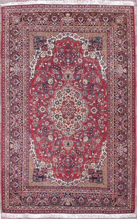 Very thin Persian Isfahan carpet - 100 years old