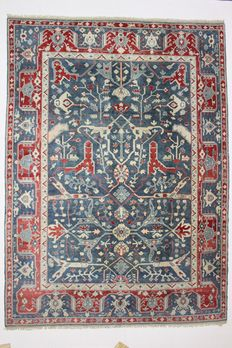 Very lovely and large USHAK carpet, Turkey, 9.89 m², 20th century.