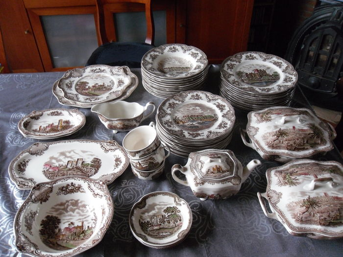 Johnson Brothers Servies.Johnson Bros Old Britain Castles Multi Color Old Very Elaborate Dishes Catawiki