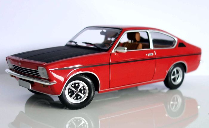 minichamps schaal 1 18 opel kadett c coupe sr 1976. Black Bedroom Furniture Sets. Home Design Ideas