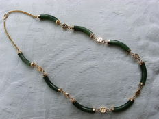 Chinese necklace with oblong nephrite jade parts, from the 1960s/70s