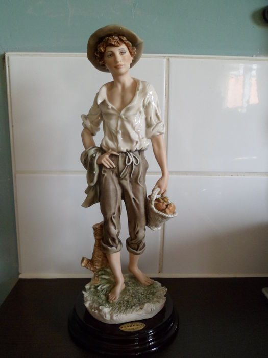 "CAPODIMONTE GIUSEPPE ARMANI FLORENCE ""COUNTRY BOY"" - limited edition"