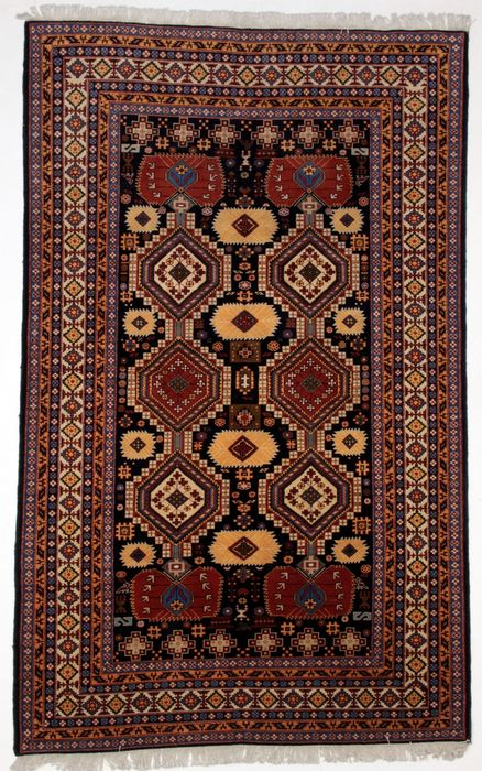 Magnificent ARDEBIL wool carpet, Iran, 269 x 168 cm.