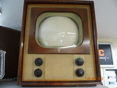 Philips, one of the first sold TVs TX500U/04 from 1951