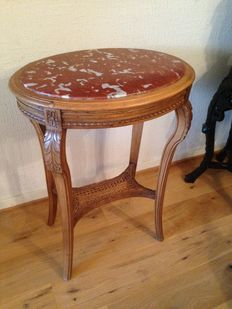 Walnut side table in Louis XVI style with red marble tabletop - France - Late 19th century