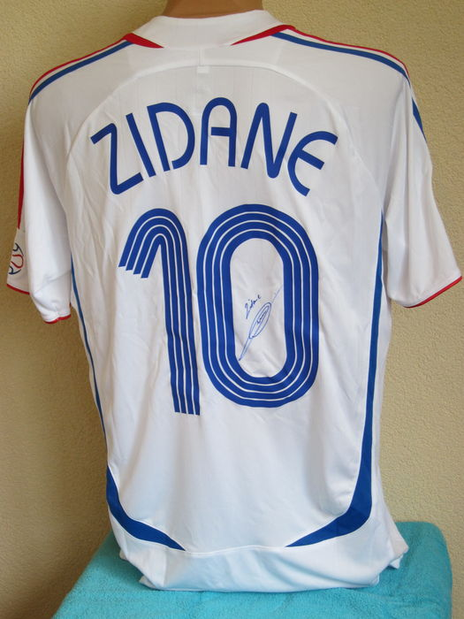 b20b32328 Zinedine Zidane shirt WK 2006 origineel gesigneerd + COA + Brief Real  Madrid.