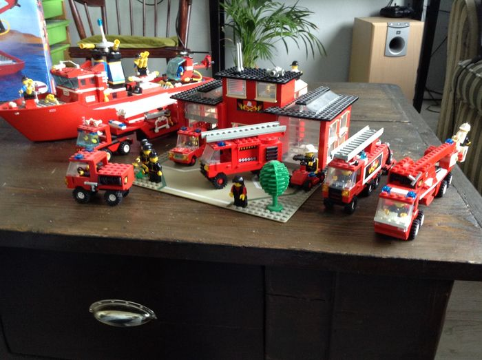 Assorted - Large collection of Lego, 1960s, 70s, 80s and 90s - incl ...