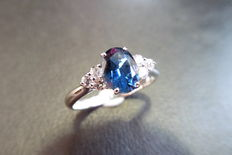 18k Gold Sapphire and Diamond Ring - size M