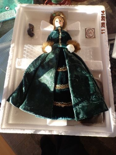 Holiday Caroler Barbie - Mattel - Maleisië.