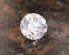 3.01 ct, F SI2, Round Cut Diamond IGI certified