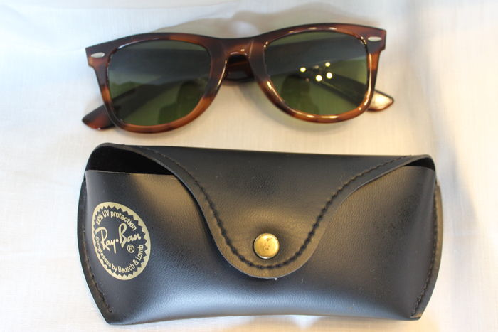 7fab5b8f22 Ray-Ban Wayfarer 40 years Special edition vintage unisex sunglasses.  quot  Ray-