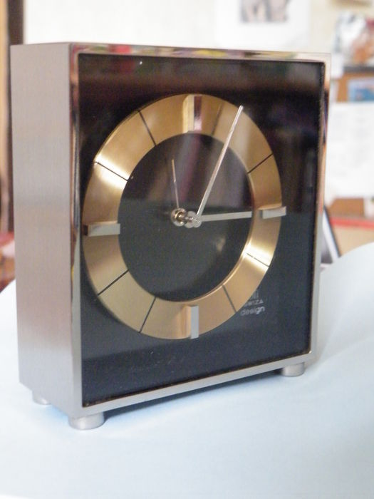 Alarm clock - UTI Swiss design