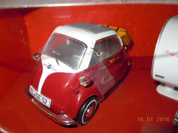 revell schaal 1 18 bmw isetta and caravan catawiki. Black Bedroom Furniture Sets. Home Design Ideas