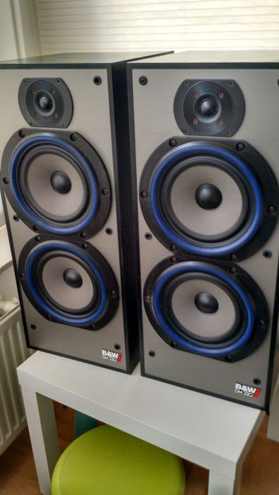 2 B&W DM220i High Quality Floor speakers
