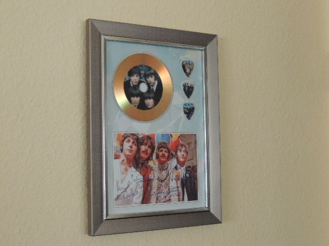 a76a3d50f55 Decorative Gold Plated CD The Beatles With 3 Guitar Pics Signed Picture (  Reprinted ) -