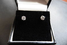 18k Gold Diamond Solitaire Earrings - 0.40 ct total H, I1