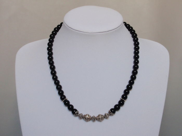 73140dfb1ce084 Men's necklace of onyx and sterling silver beads - Catawiki