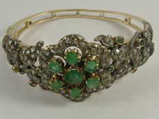 Antique bracelet in 14 kt gold with diamonds and emeralds – Made in the late 1900s
