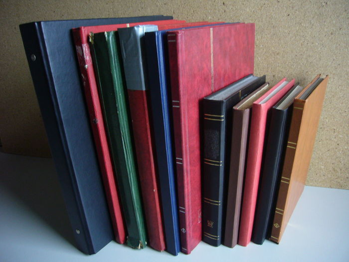 World - Batch in 10 stock books and a ring binder with postal items
