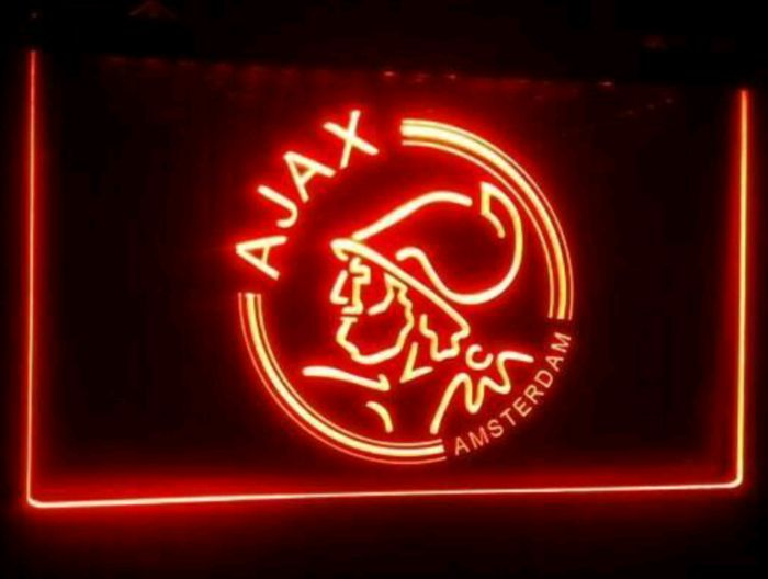 AFC AJAX, Logo in rood Led neon verlichting. - Catawiki