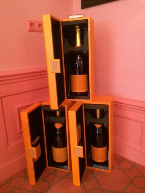 limited edition veuve clicquot ponsardin 3 jeroboams 3 liter brut catawiki. Black Bedroom Furniture Sets. Home Design Ideas
