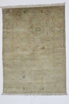 Beautiful Egyptian carpet, in wool, 20th century, 168 x 126 cm
