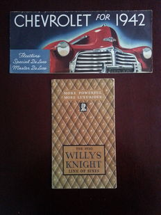 1930 Willys Knight en 1942 Chervrolet Fleetline auto brochures