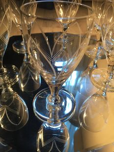 6 Hand etched  crystal goblet  & wine deconter