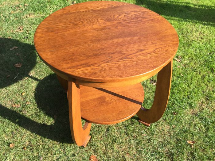Art deco tulip model table catawiki for Nfpa 99 table 5 1 11