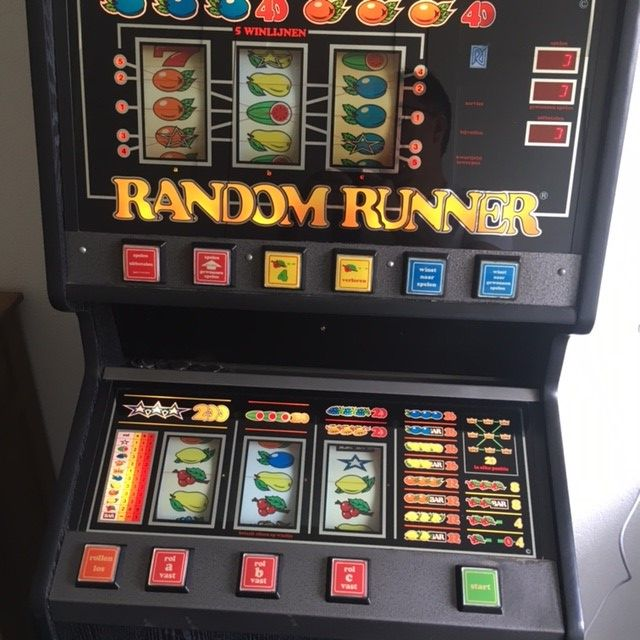 Slot machine random runner
