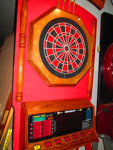 Dart Machine with Original Kursal Support