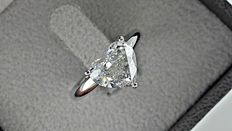 2.15 ct heart shape diamond ring made of 18 kt white gold - size 5,5