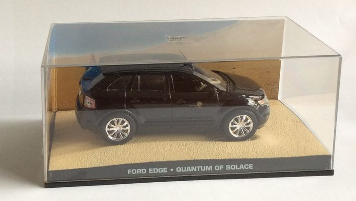 Fabbri James Bond Car Collection Scale   Lot With  James Bond Models And Magazines