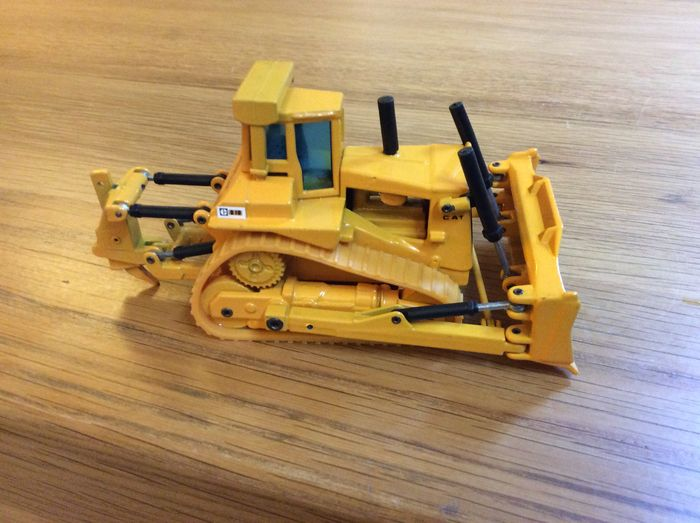 Joal - Scale 1/50 - Lot with 4 models: 1 x Caterpillar D10