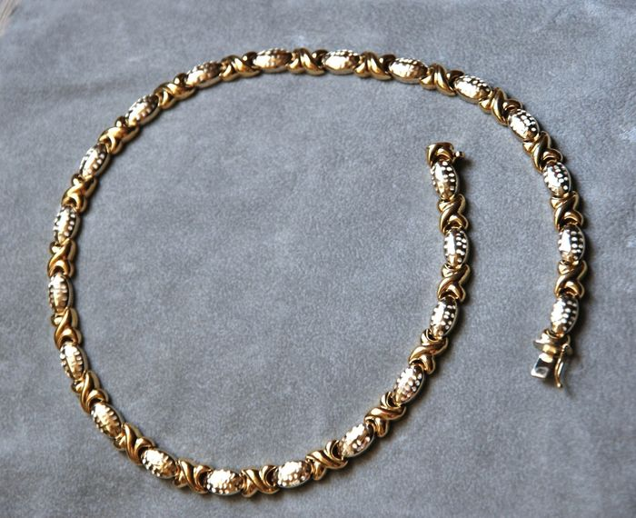 Necklace in two-tone solid gold