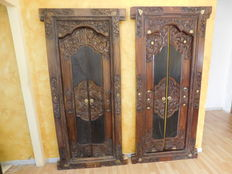 Two hand-made doors in solid carved wood – Bali, Indonesia