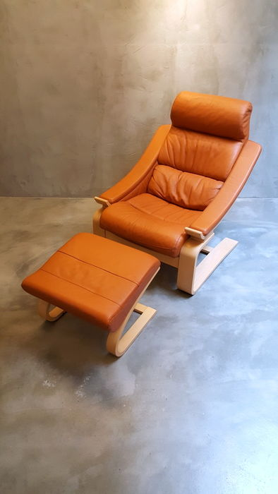 Åke Fribyter for Nelo – Royal relaxing chair with footstool - Catawiki