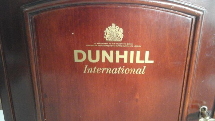 old hanging cabinet of dunhill international tobacco london paris new york catawiki. Black Bedroom Furniture Sets. Home Design Ideas
