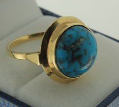 Large yellow gold ring with genuine turquoise, diameter 2 cm