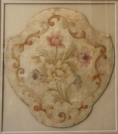 A flower embroidered silk hand-held fire screen / fan - France - 18th century