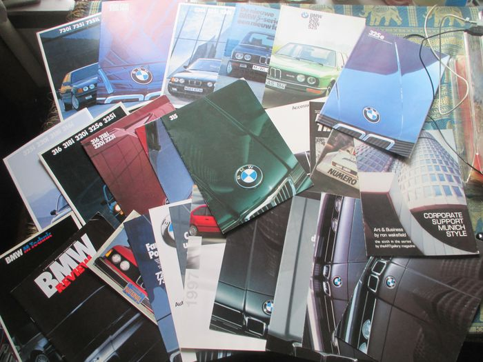 Car brochures (BMW/BMW-USA, 23x, 1974-1989)
