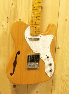 London City Comet Thinline MKI, Telemodel in the colour Natural Gloss Finish with cable, London City strap and tuner