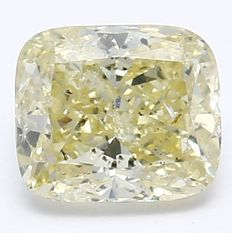 0.70 ct Natural Fancy light Yellow Diamond