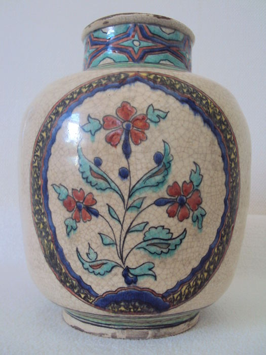 islamic iznik vase signed persia 19th century catawiki