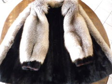Black mink coat - Middle part and sleeves in silver fox - Williams Fur Group - Canada.